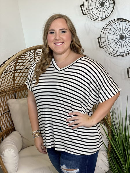 CURVY Double V Top in Ivory