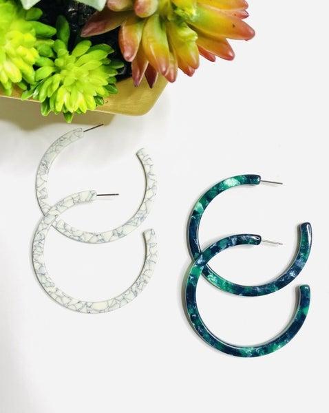 Surprise Steal-Resin Hoops in 2 Colors