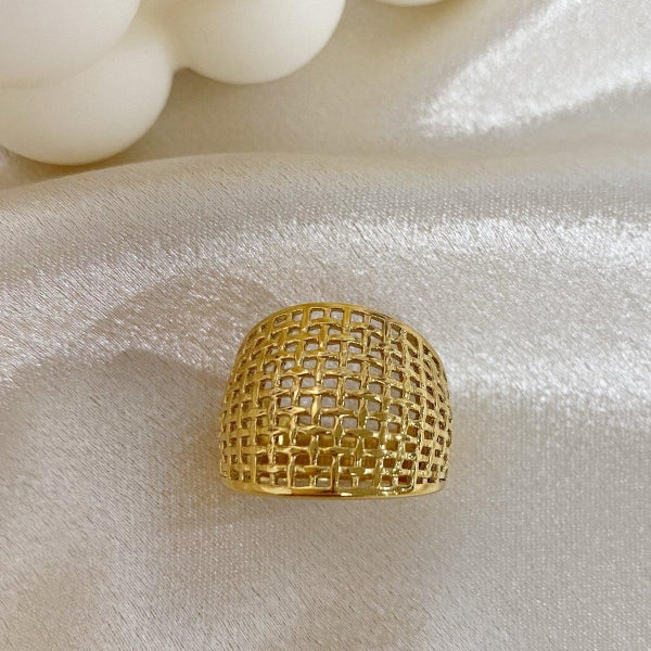 The Gold Net Ring