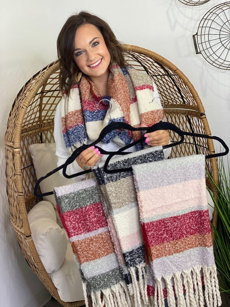 LD STEAL #4- Yarn Blanket Scarves