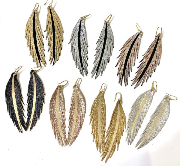 The Glittered Leather Earrings-Lots