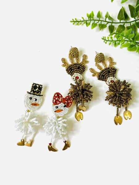 LD STEAL 68- Holiday Extra Earrings