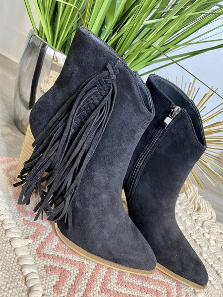 The Kinsley Black Booties