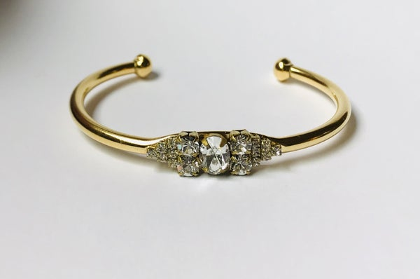 The Oval Crystal Ball Cuff