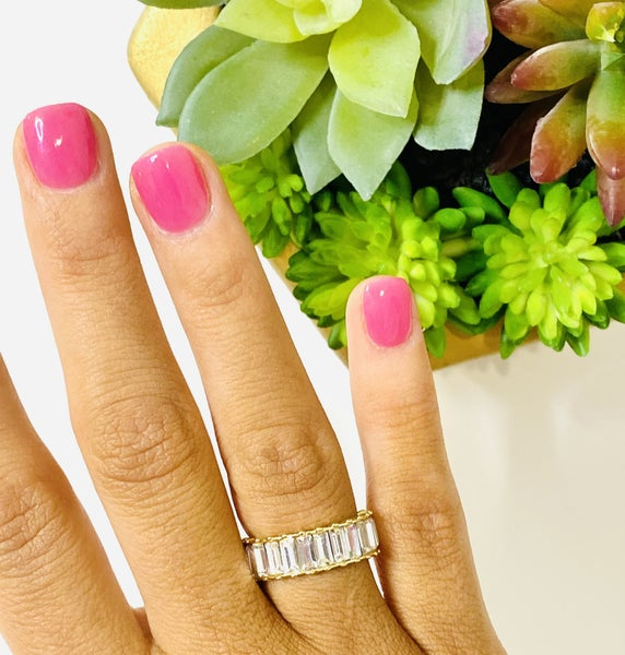 The Crystal Shimmer Ring