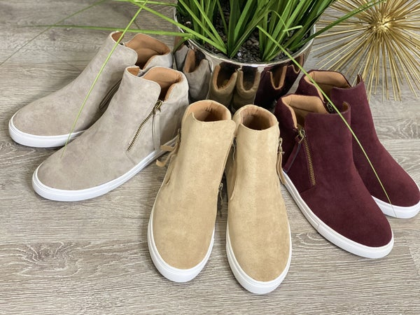 The Casper Sneaks - 4 Colors