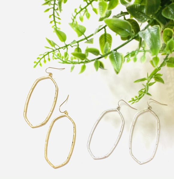 The Edged Oval Earrings-2 Colors