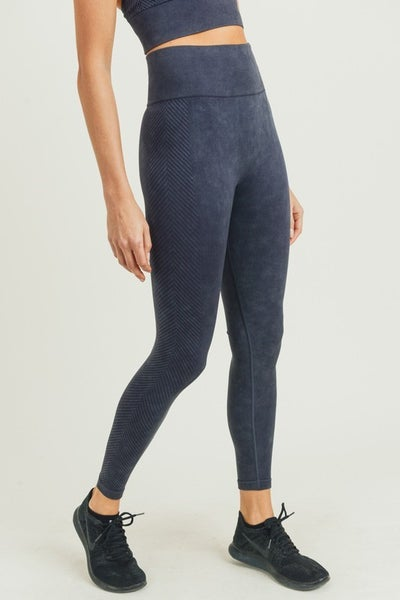 The Biki Cousin Leggings in Black