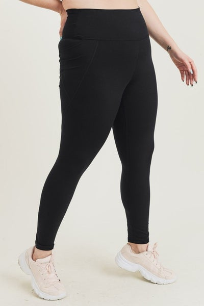 The Curvy Gold Medal Leggings in Black