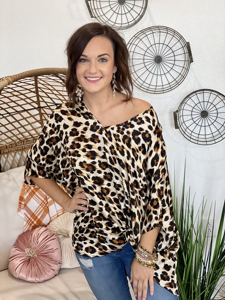 Scratched Leo Poncho Top