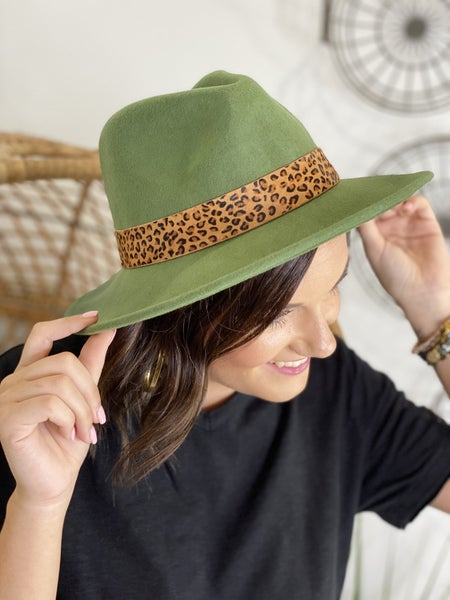 Leo Brimmed Hat in Olive
