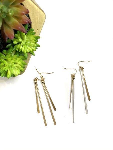The Split Spike Earrings-2 Colors