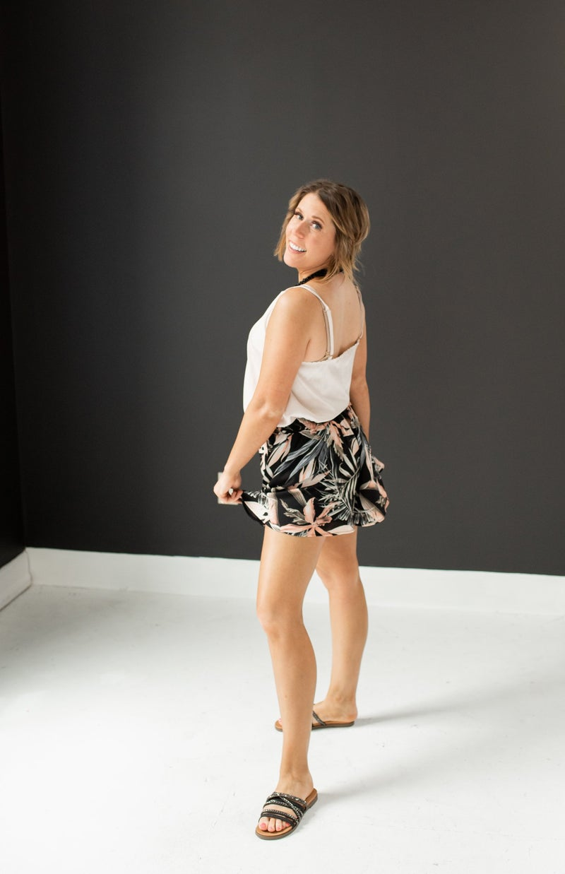 Black Tropical Print Shorts w/ Elastic Waist