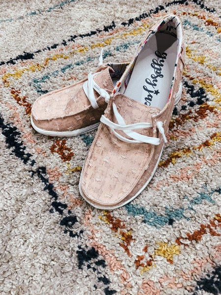 Pink Textured Loafer