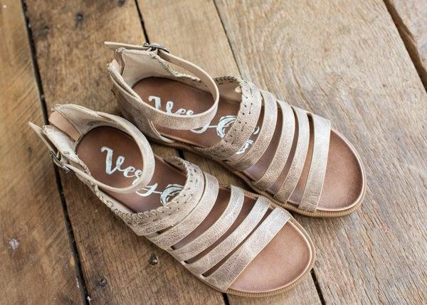 Tan Textured Back Zipper Sandal