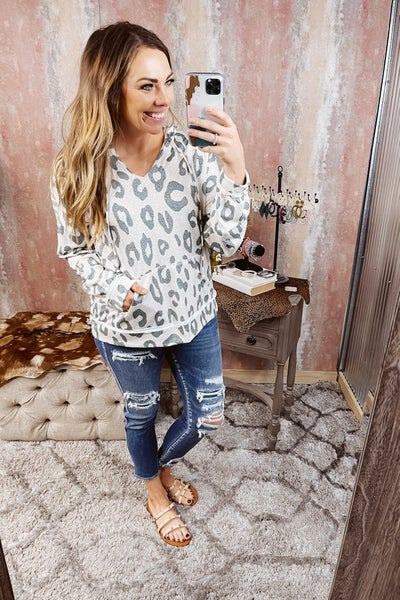 Mid Rise Patched Crop Skinny