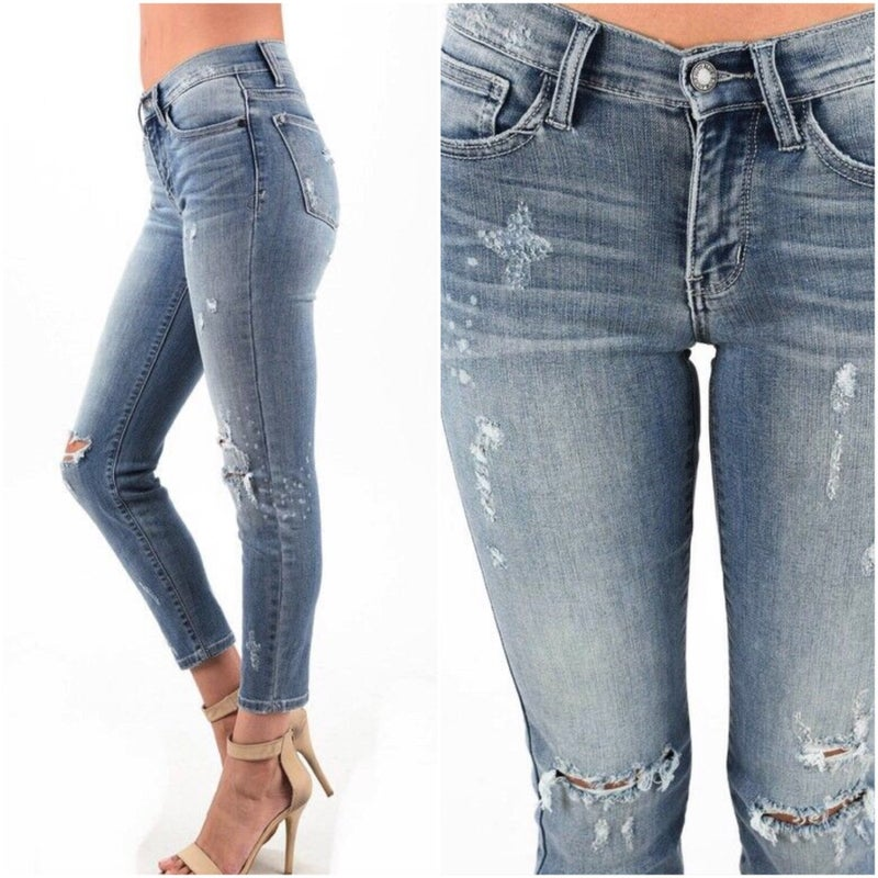 Judy Blue Bleach Splashed Relaxed Fit Jeans