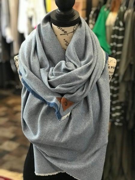 BXB Baby Blue Herringbone Blanket Scarf w/ Leather Snap Detail