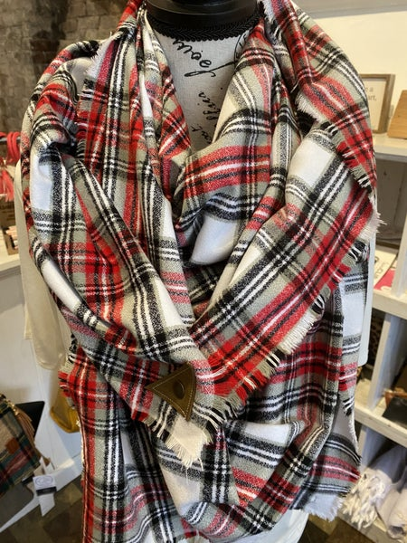 BXB Winter in the Country Plaid Blanket Scarf w/ Leather Snap Detail