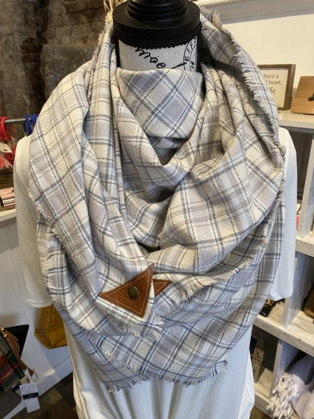 BXB White Christmas Plaid Blanket Scarf w/ Leather Snap Detail