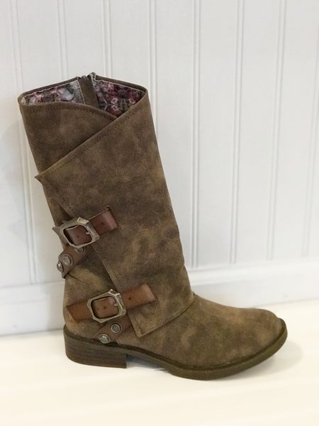 Blowfish Vacation Boot