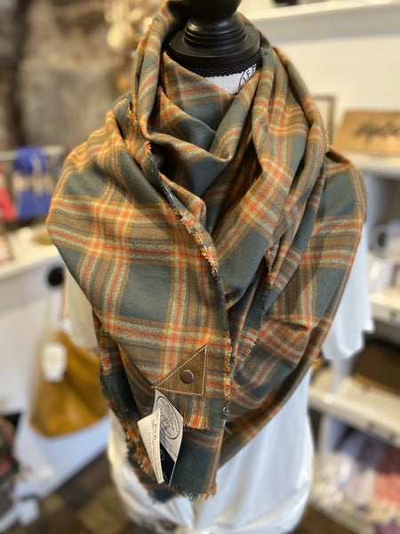 BXB Adventure Plaid Blanket Scarf w/ Leather Snap Detail