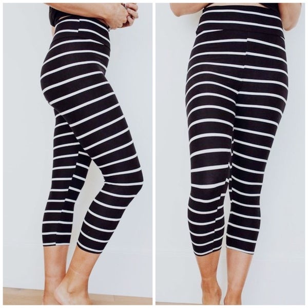 Chic Stripes - Capri Leggings - Reg/Plus