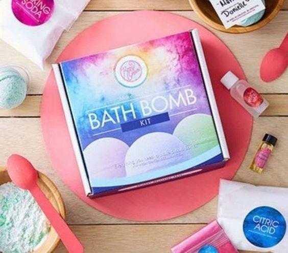 DIY Bath Bomb Kit - Makes 6!