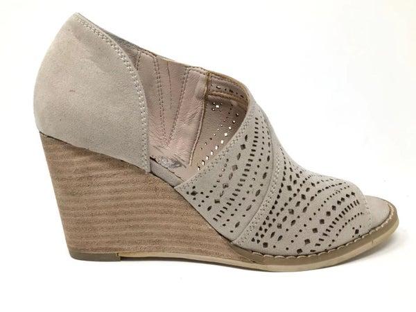 Cream Wedge Shoe *Final Sale*