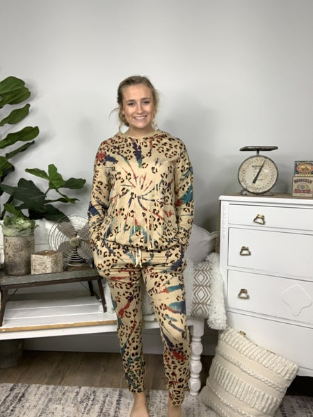 Multi Printed Taupe Animal Lounge Top with Thumb Holes *Final Sale*