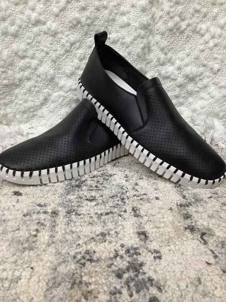 Black Shoe *Final Sale*