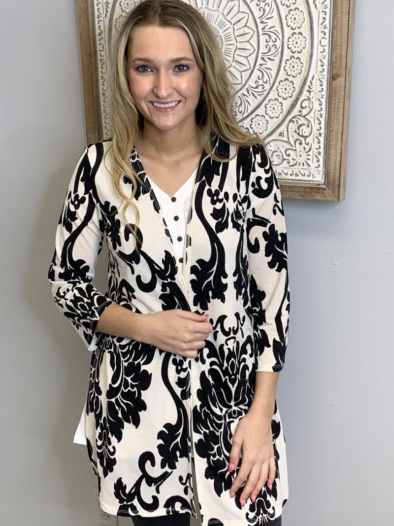 Black Damask Print Kimono