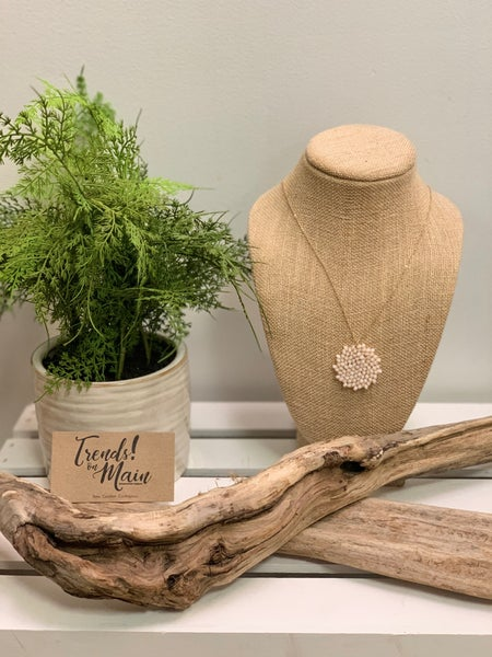 Neutral cluster long necklace
