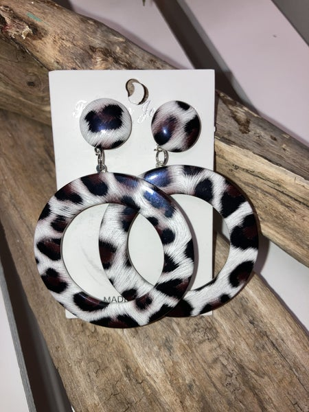 Cream leopard post earrings