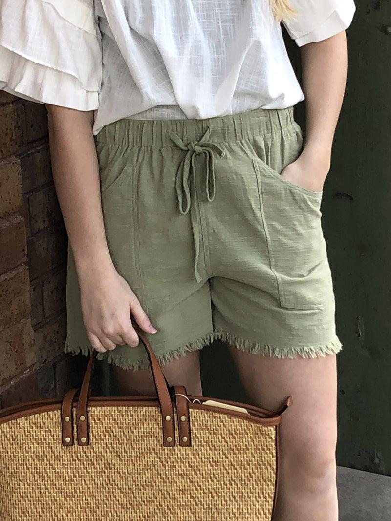 Drawstring Waist Frayed Hem Shorts with Pockets