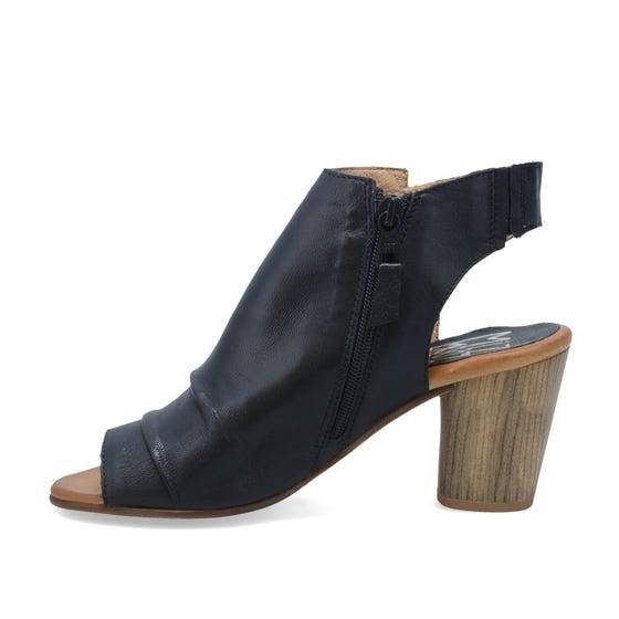 Bella Gen Leather Sandal