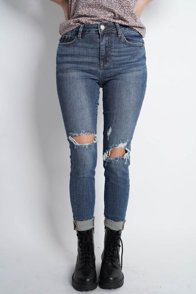 The SUMMER 2.0 Destroyed Knee Midrise Skinny By Judy Blue