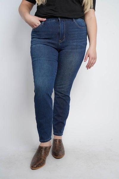 The HOLLAND Thermadenim High-Waist Boyfriend Jeans