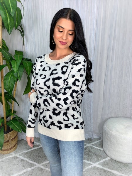 LEOPARD PRINT LONG-SLEEVE KNIT PULLOVER