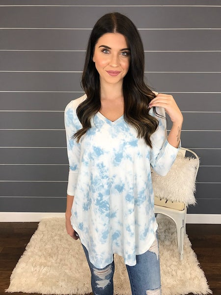 V-NECK HIGH-LOW TIE DYE TUNIC TOP
