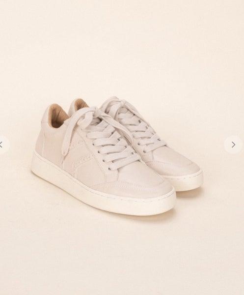 Last pair sale !! The Raven sneaker in beige *Final Sale*