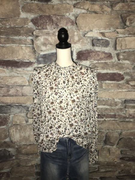 FLASH SALE!  IVORY MINUTE FLORAL TOP