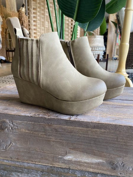 Last pair ! The Wesson in taupe**** RESTOCK IS HERE! *Final Sale*