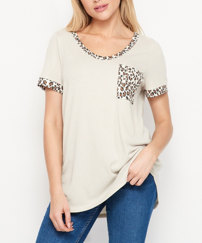 Short Sleeve Round Neck Top with Leopard Detail