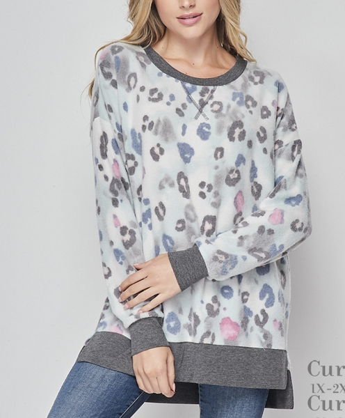 Long Sleeve Blurred Leopard Weekender Top