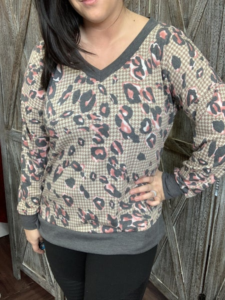 Long Sleeve V Neck Leopard and Houndstooth Print Top