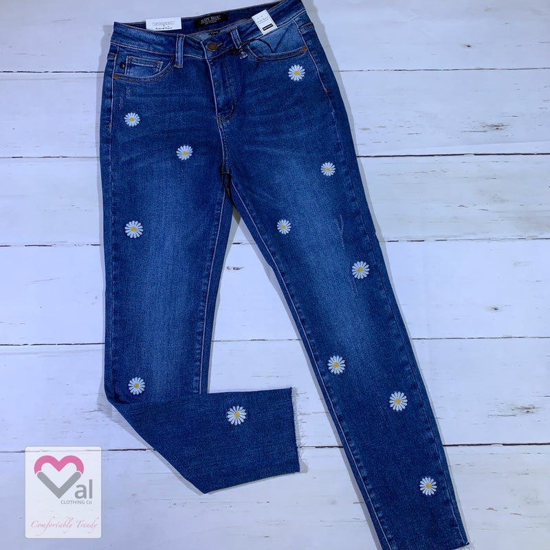 Judy Blue High Rise Daisy Embroidered Skinny Jeans