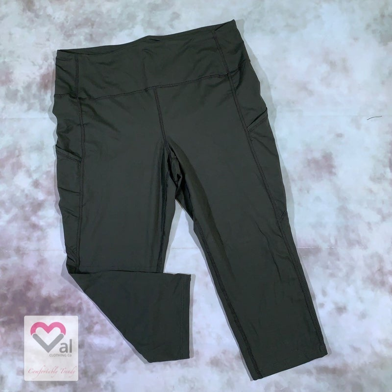 Solid Olive Pocket Capri Leggings