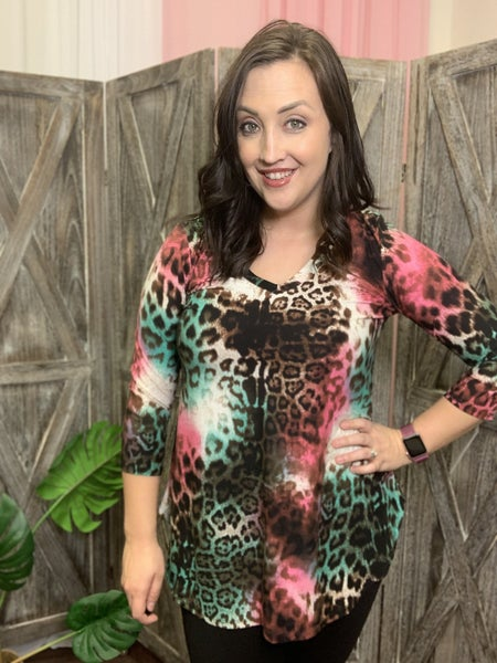 3/4 Sleeve V Neck Colorful Wildcat Print Top
