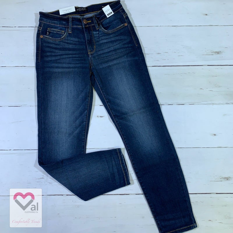 Judy Blue Dark Wash Mid Rise Relaxed Fit Jeans